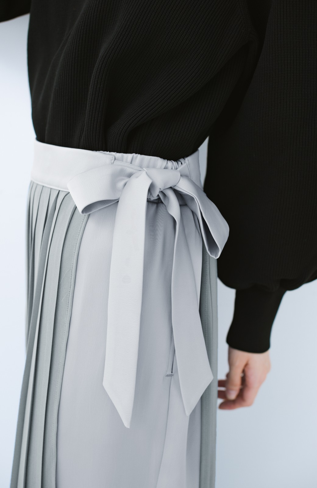 haco! パンツ派さんのデート着 プリーツスカート風にもなる華やかパンツセット <ライトブルーグレー>の商品写真9
