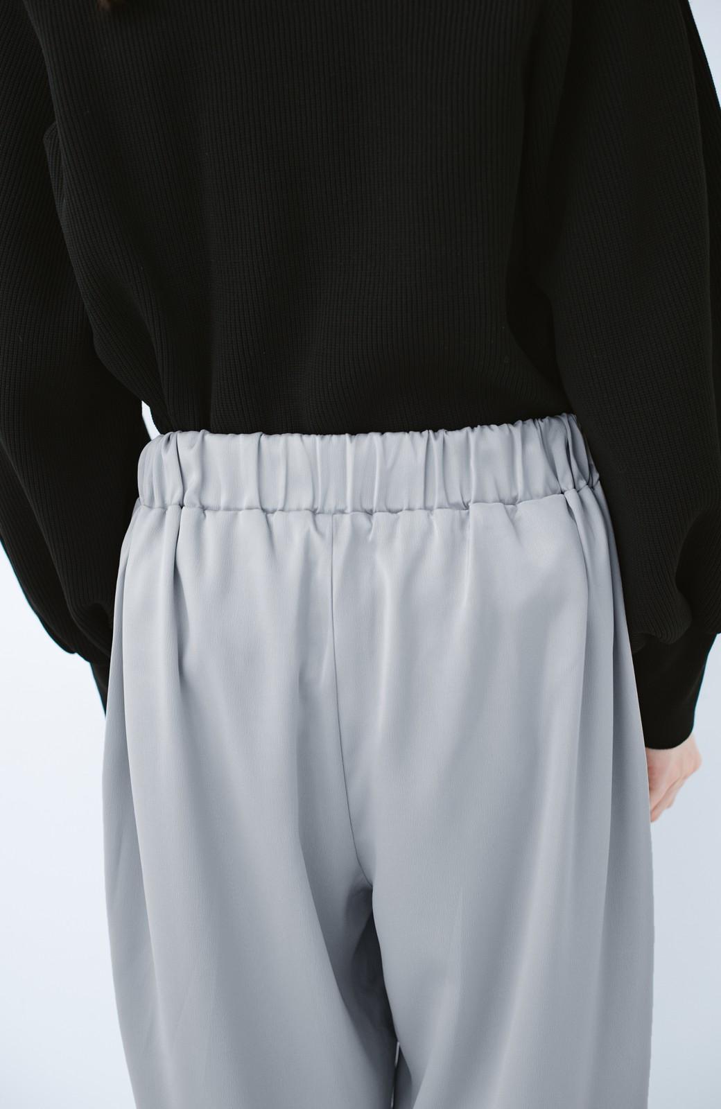 haco! パンツ派さんのデート着 プリーツスカート風にもなる華やかパンツセット <ライトブルーグレー>の商品写真13