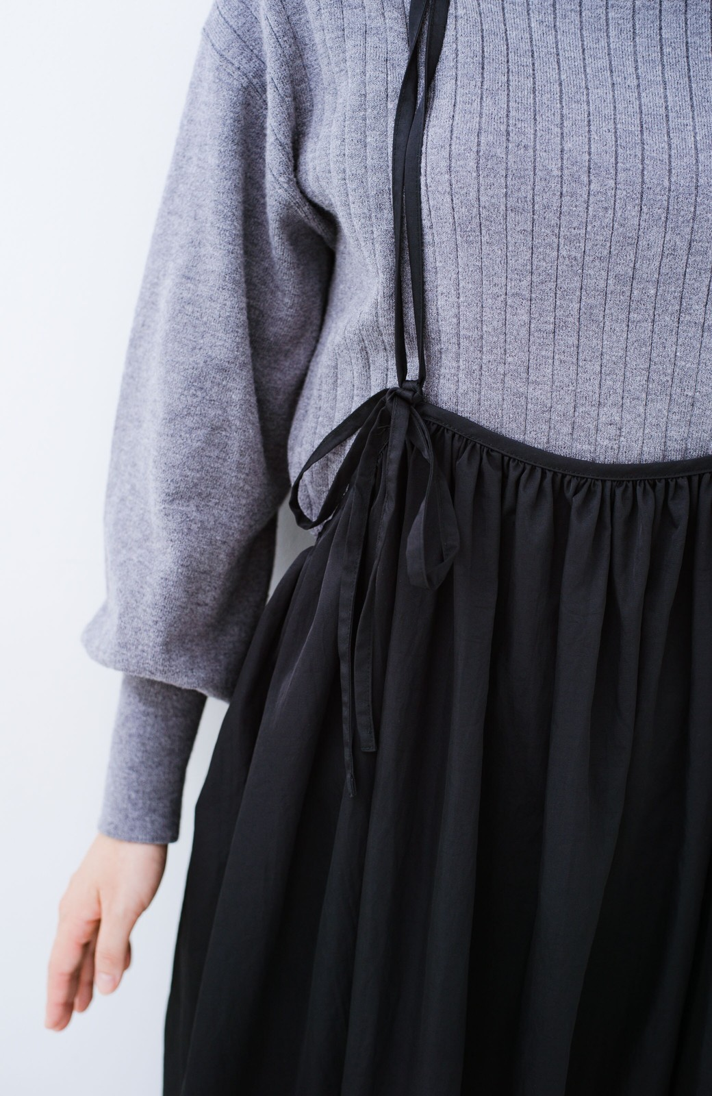 haco! 女の子バンザイ!プロジェクト【ブルー期】 ニットですら重ね着できる安心さ ゆったりギャザーキャミワンピ <ブラック>の商品写真13