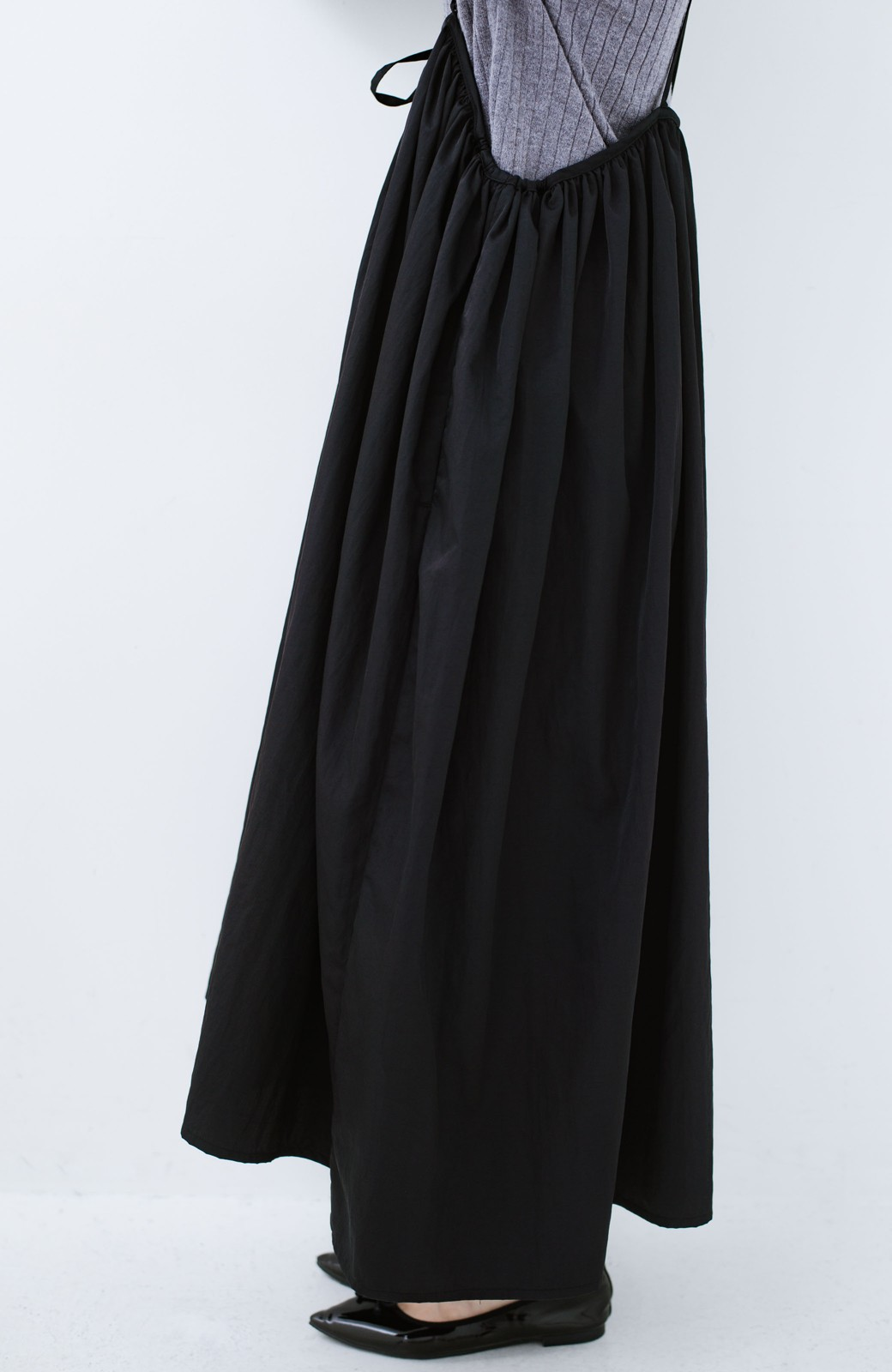 haco! 女の子バンザイ!プロジェクト【ブルー期】 ニットですら重ね着できる安心さ ゆったりギャザーキャミワンピ <ブラック>の商品写真14