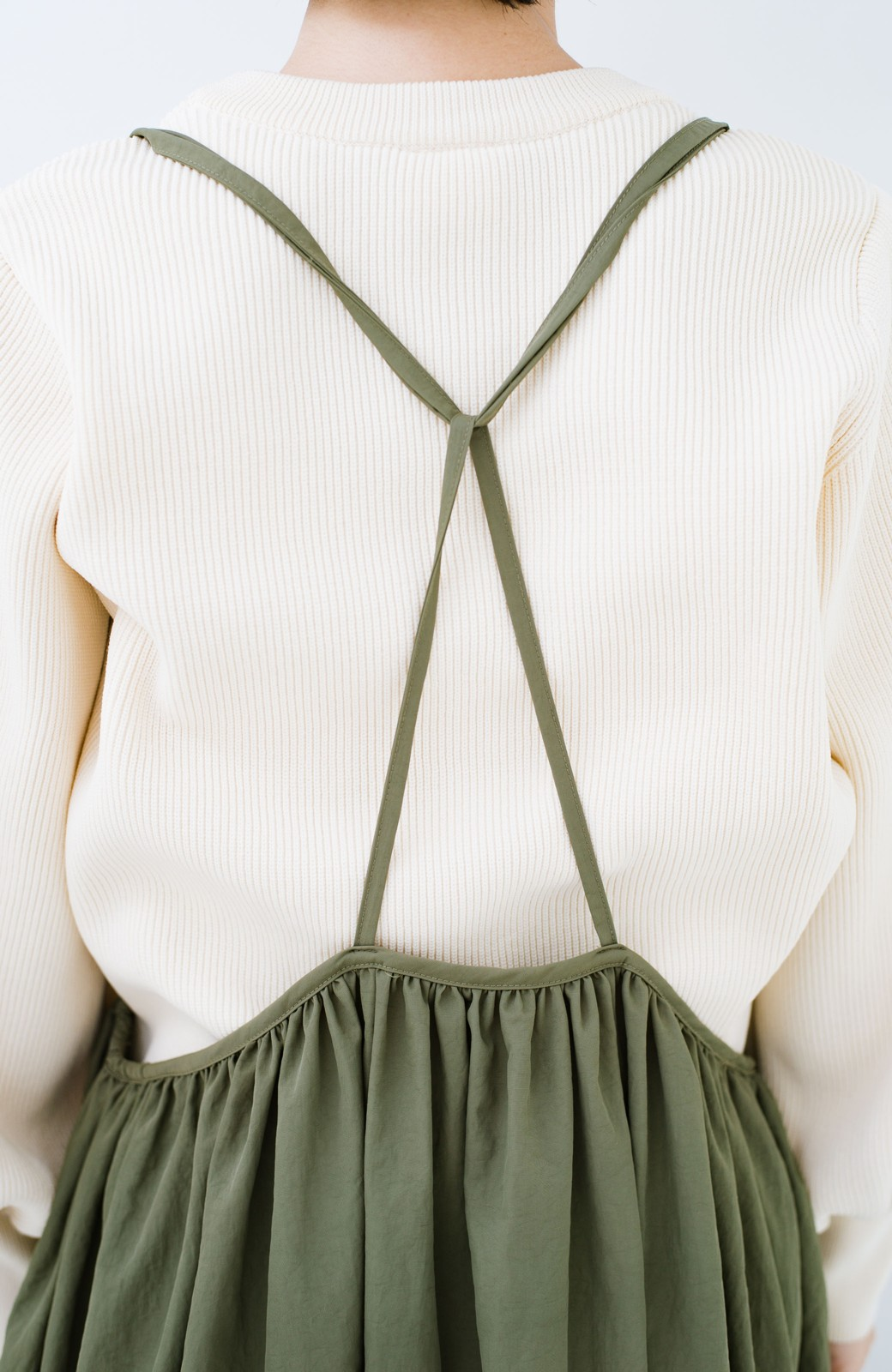 haco! 女の子バンザイ!プロジェクト【ブルー期】 ニットですら重ね着できる安心さ ゆったりギャザーキャミワンピ <カーキ>の商品写真13