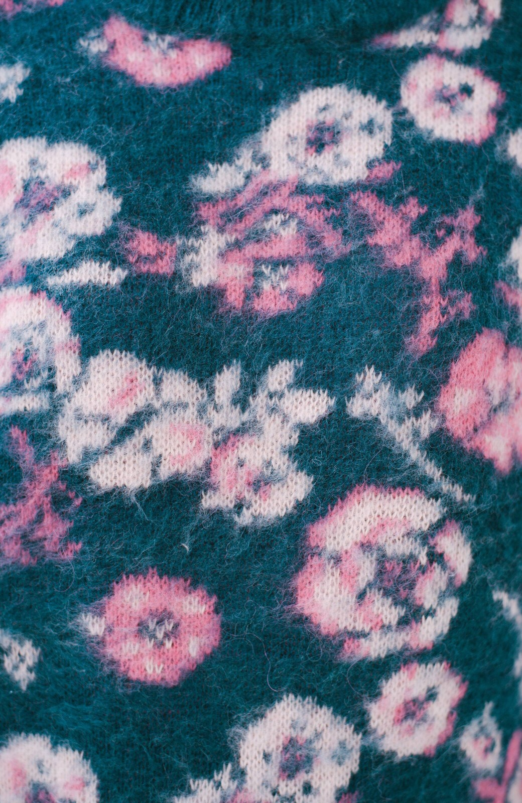 haco! <KANA MATSUNAMIテキスタイル>野ばら柄のジャカードニットトップス <ブルー>の商品写真2
