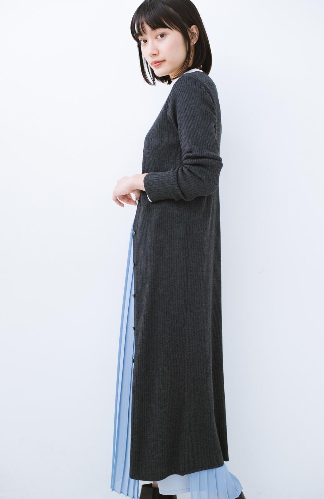 haco! 美シルエットがうれしい着方自由のオトナリブニットカーディガン by MAKORI <チャコールグレー>の商品写真17