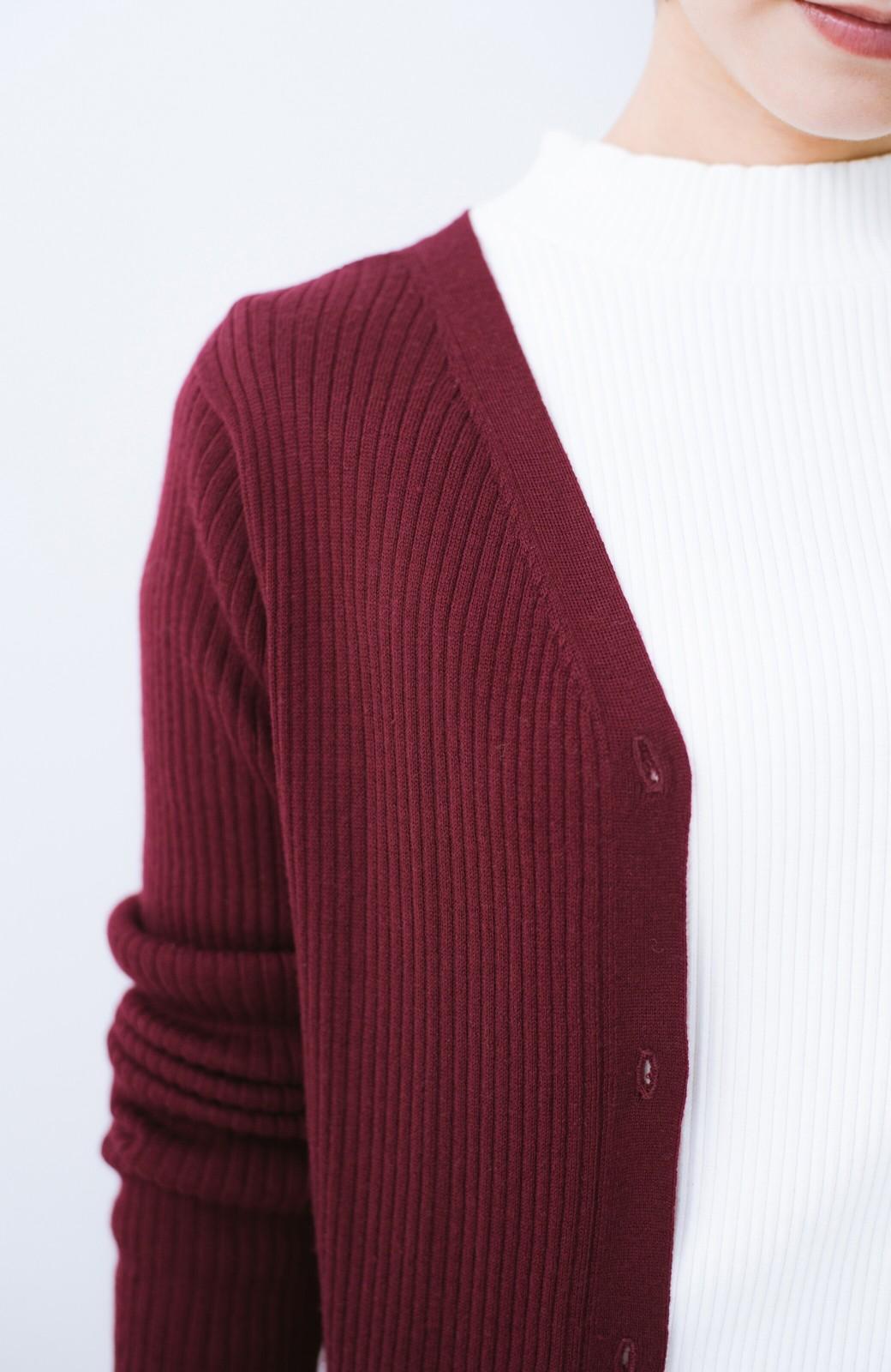 haco! 美シルエットがうれしい着方自由のオトナリブニットカーディガン by MAKORI <ボルドー>の商品写真4