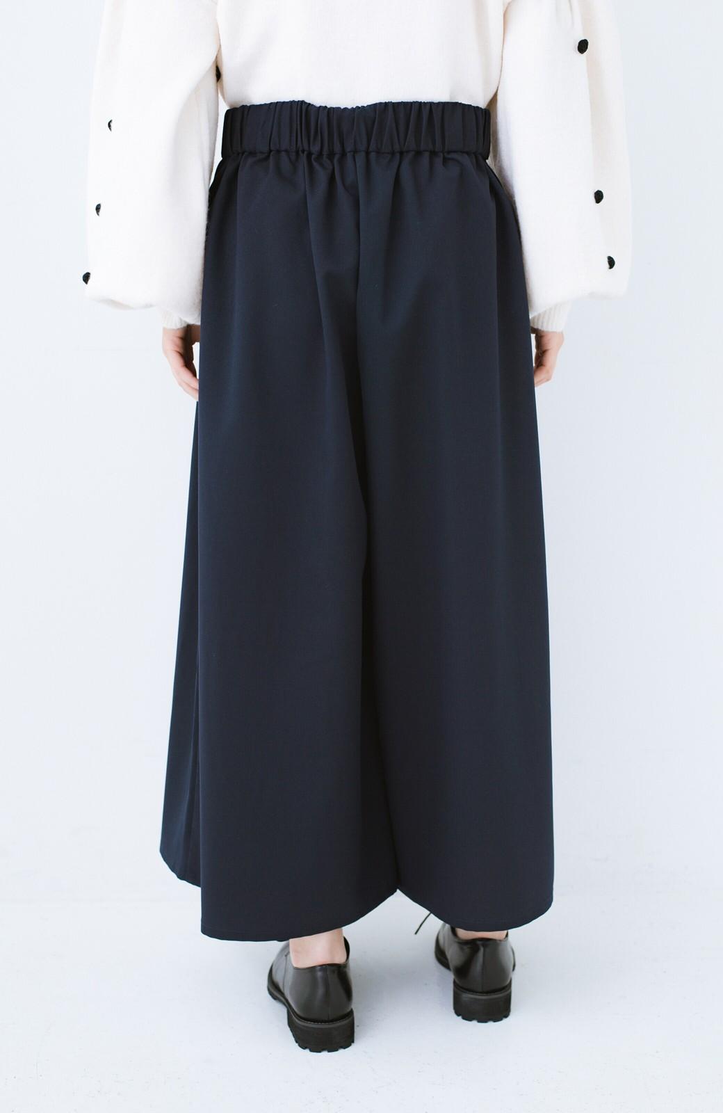 haco! 旅の救世主 きれいめブラウスとスカート見えゆったりワイドパンツのセットアップ <ネイビー>の商品写真26