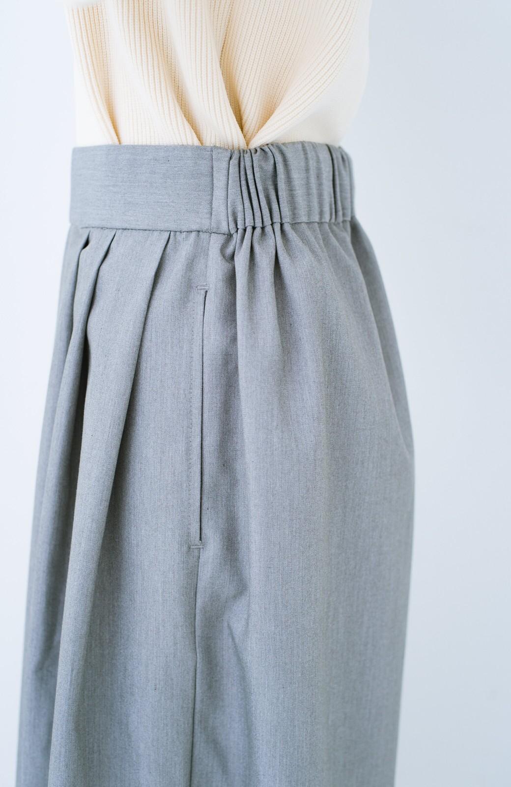 haco! 旅の救世主 きれいめブラウスとスカート見えゆったりワイドパンツのセットアップ <杢グレー>の商品写真29