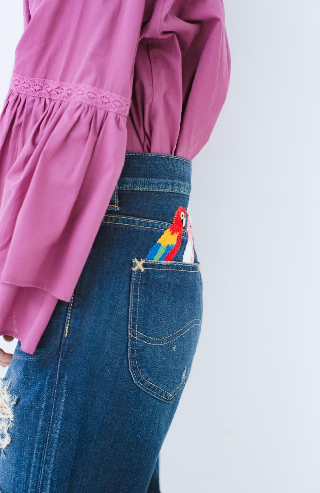 haco! Stitch by Stitch ポケットから大好きな鳥さんがこんにちは!Lee for PBP シルエットがきれいなデニムパンツ <インディゴブルー>の商品写真7