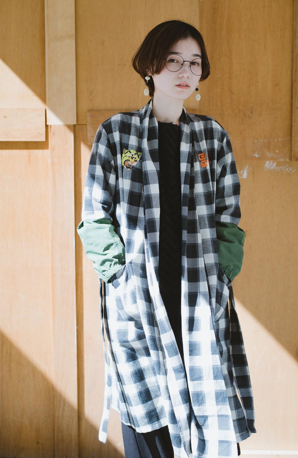 haco! haco! × RBTXCO 三つ目の虎福 刺繍入りチェックガウンコート  <ブラック系その他>の商品写真14