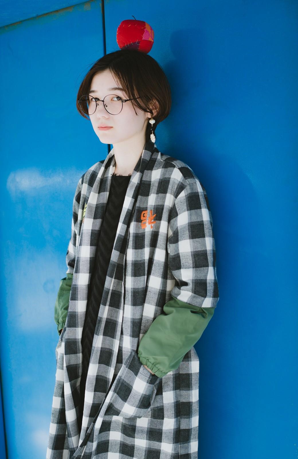 haco! haco! × RBTXCO 三つ目の虎福 刺繍入りチェックガウンコート  <ブラック系その他>の商品写真1