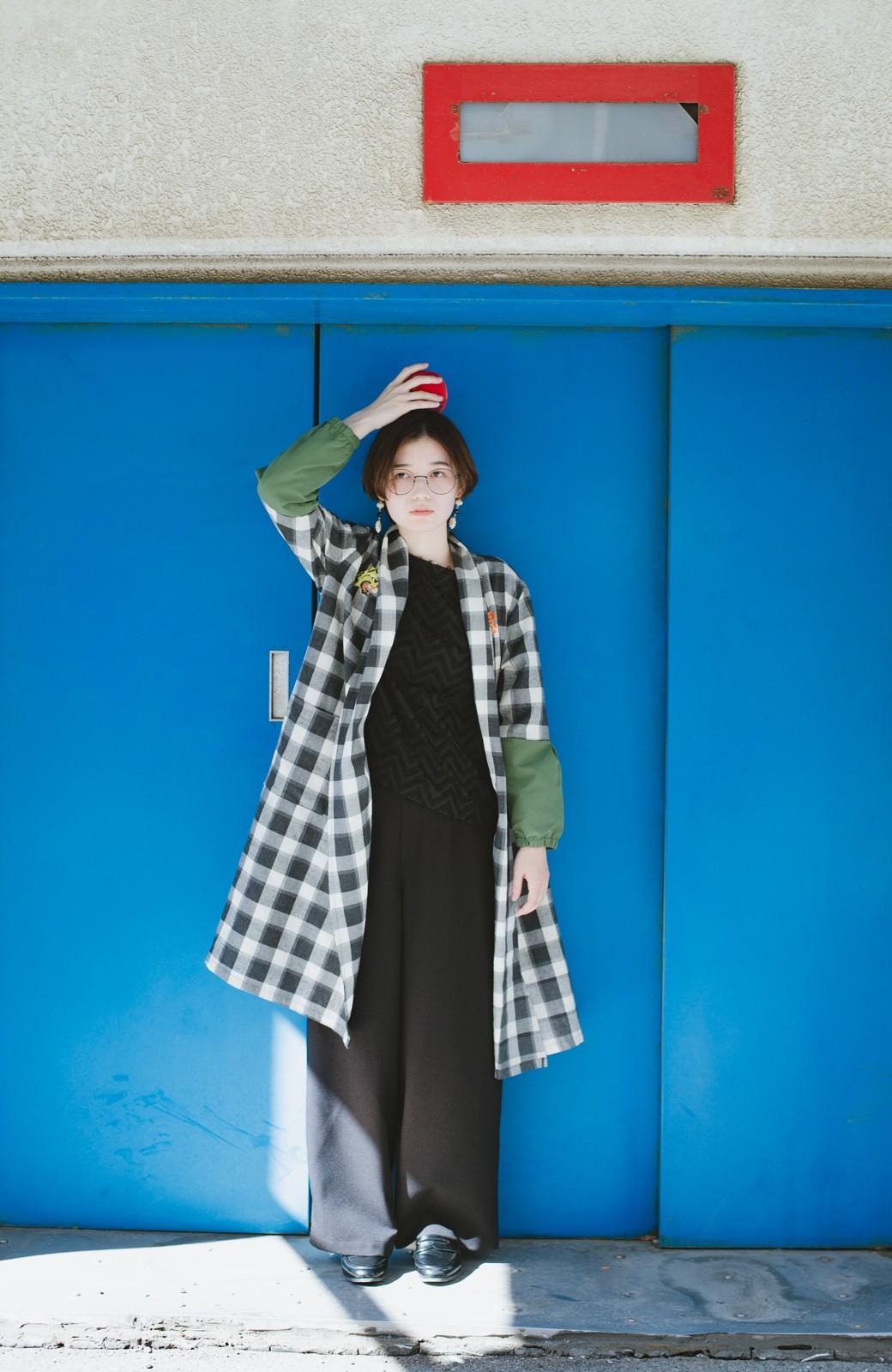 haco! haco! × RBTXCO 三つ目の虎福 刺繍入りチェックガウンコート  <ブラック系その他>の商品写真6