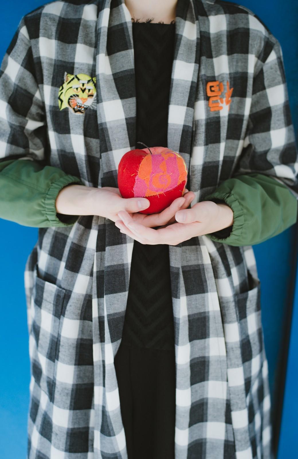 haco! haco! × RBTXCO 三つ目の虎福 刺繍入りチェックガウンコート  <ブラック系その他>の商品写真8
