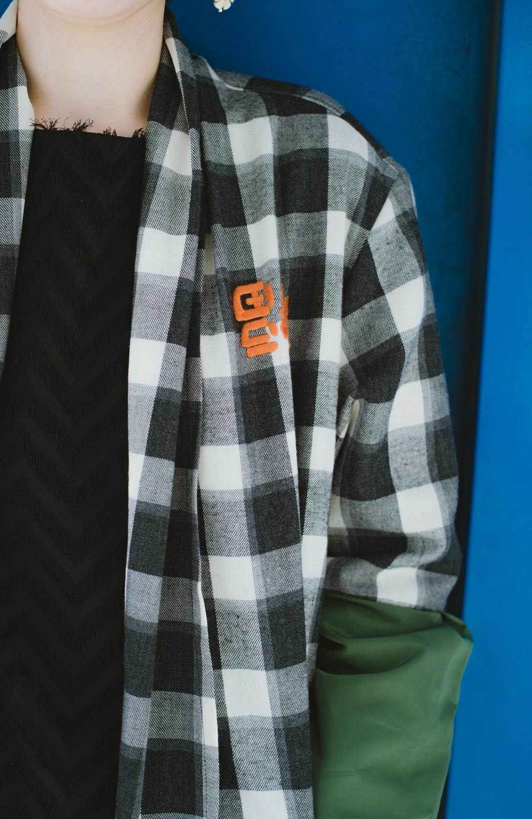 haco! haco! × RBTXCO 三つ目の虎福 刺繍入りチェックガウンコート  <ブラック系その他>の商品写真11