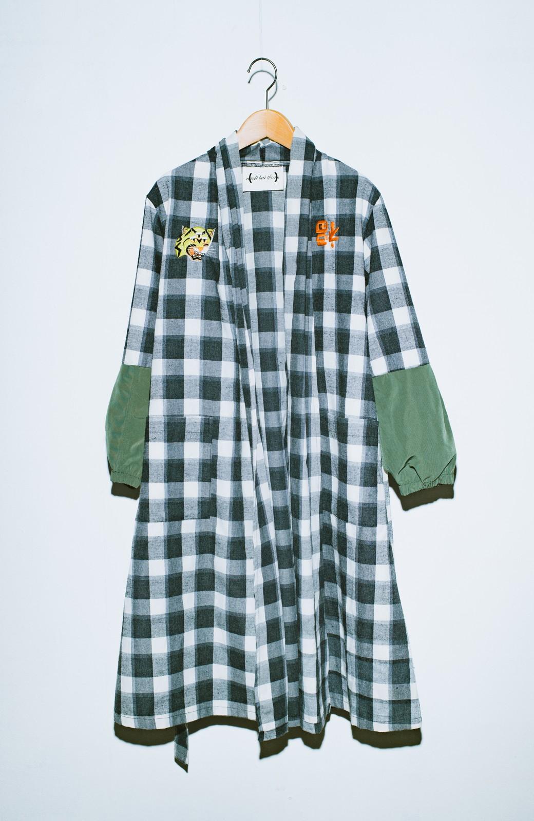 haco! haco! × RBTXCO 三つ目の虎福 刺繍入りチェックガウンコート  <ブラック系その他>の商品写真3