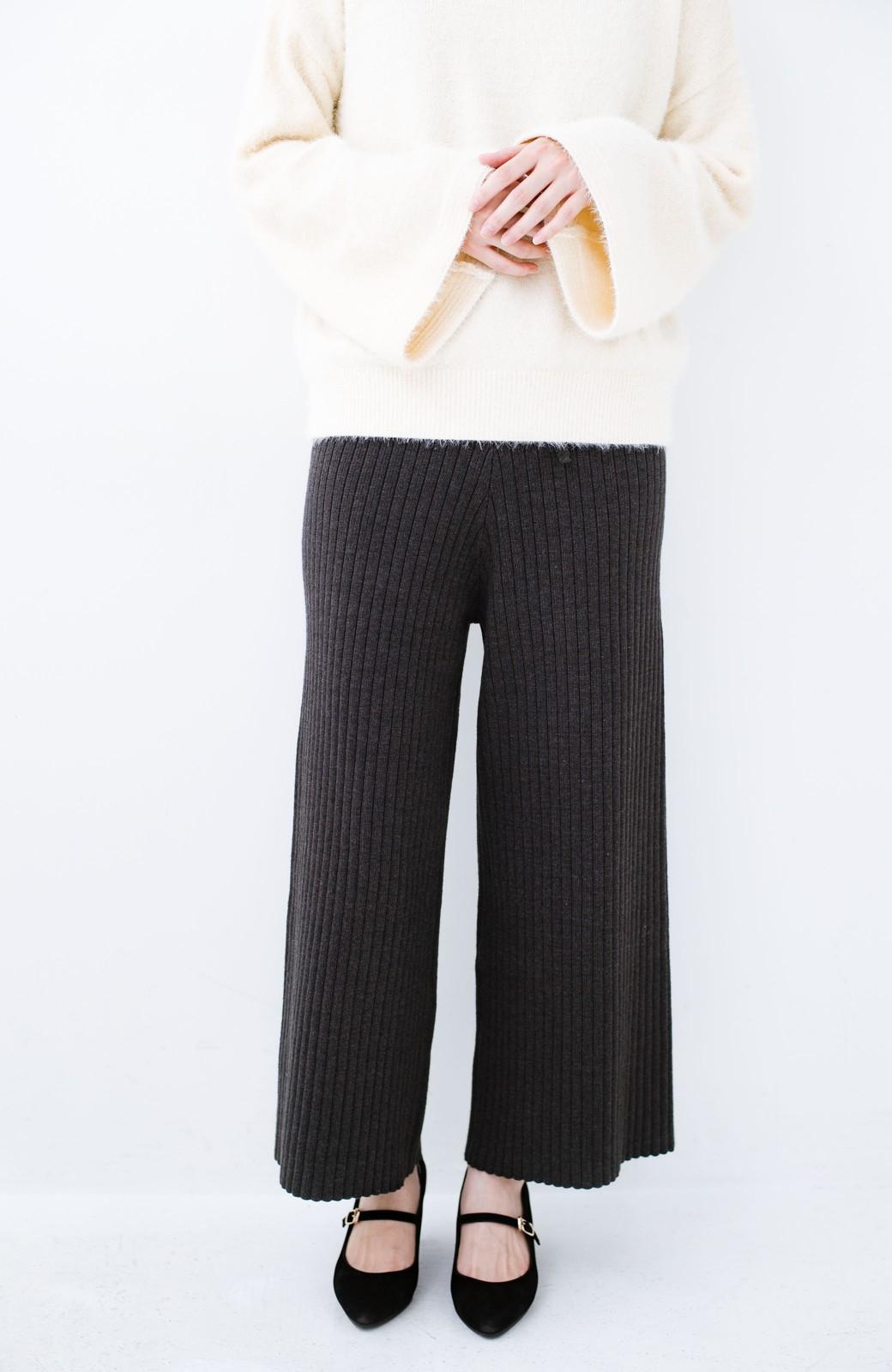 haco! 楽ちんなのにきれいシルエットのオトナニットパンツ by MAKORI <チャコールグレー>の商品写真3