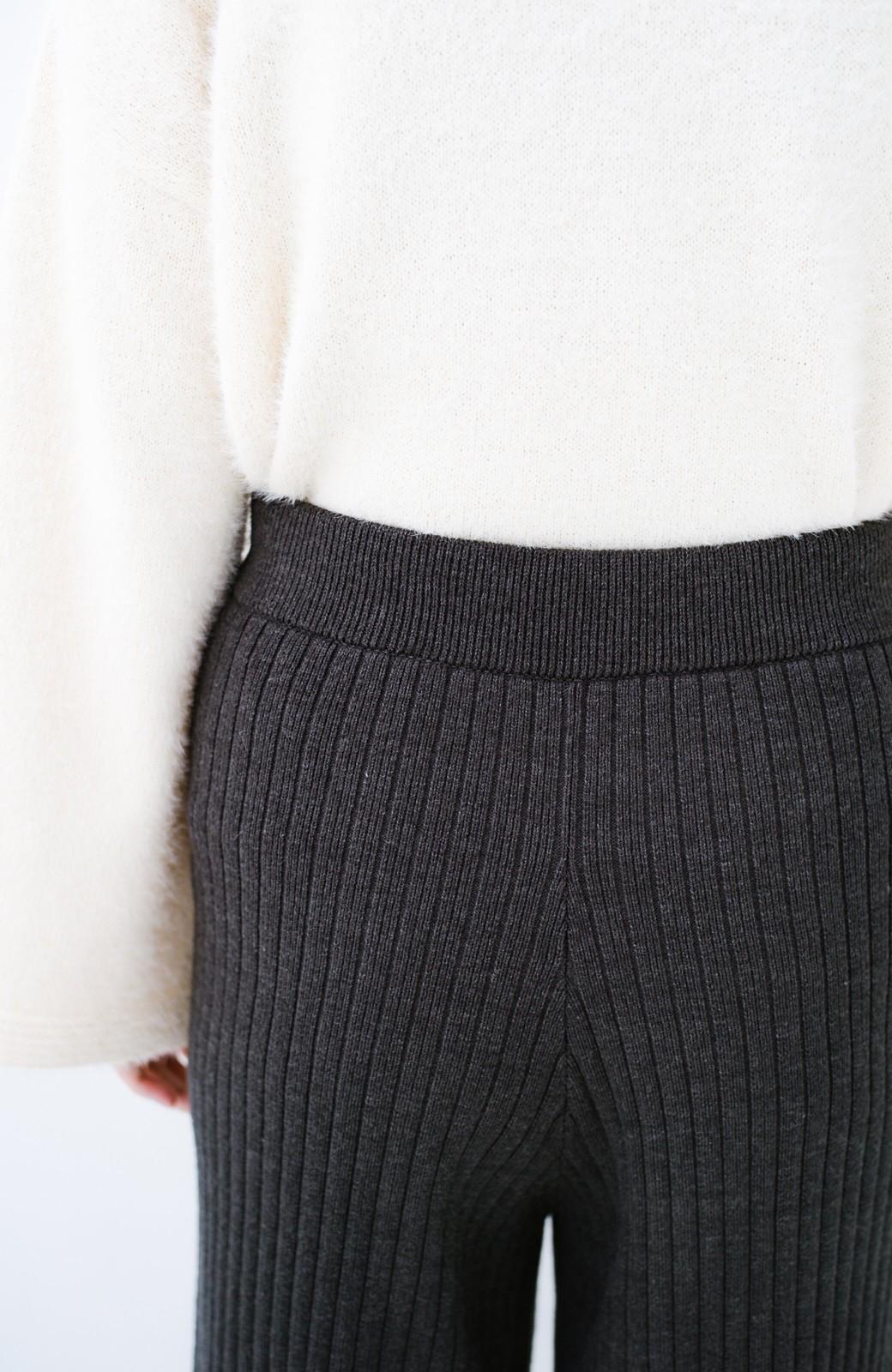 haco! 楽ちんなのにきれいシルエットのオトナニットパンツ by MAKORI <チャコールグレー>の商品写真8