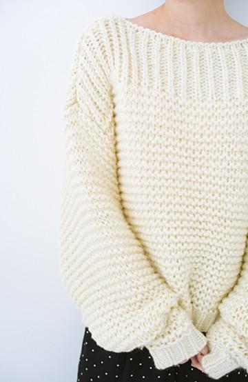 haco! 手編み風ガーター編みがかわいい ざっくり女っぽニット <アイボリー>の商品写真