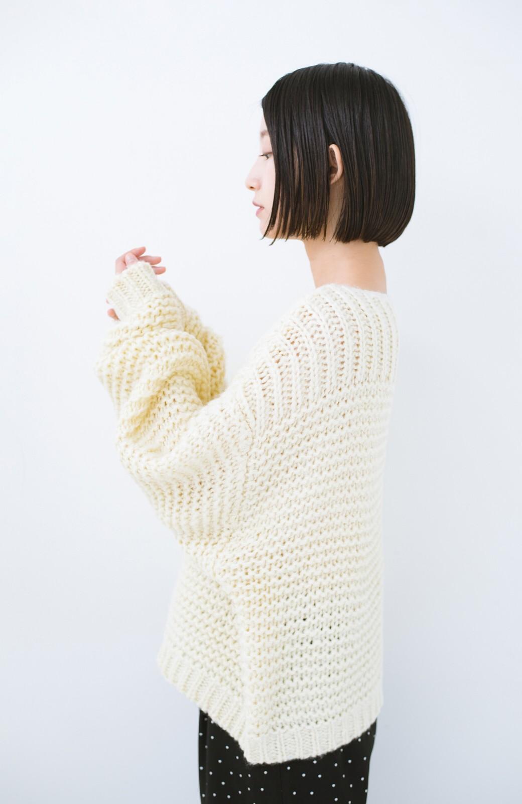 haco! 手編み風ガーター編みがかわいい ざっくり女っぽニット <アイボリー>の商品写真3