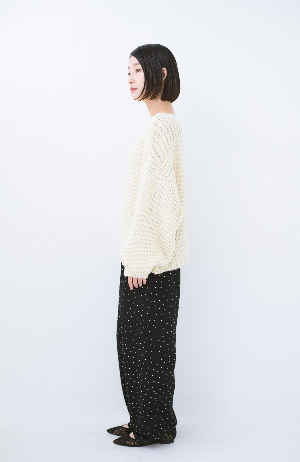 haco! 手編み風ガーター編みがかわいい ざっくり女っぽニット <アイボリー>の商品写真9