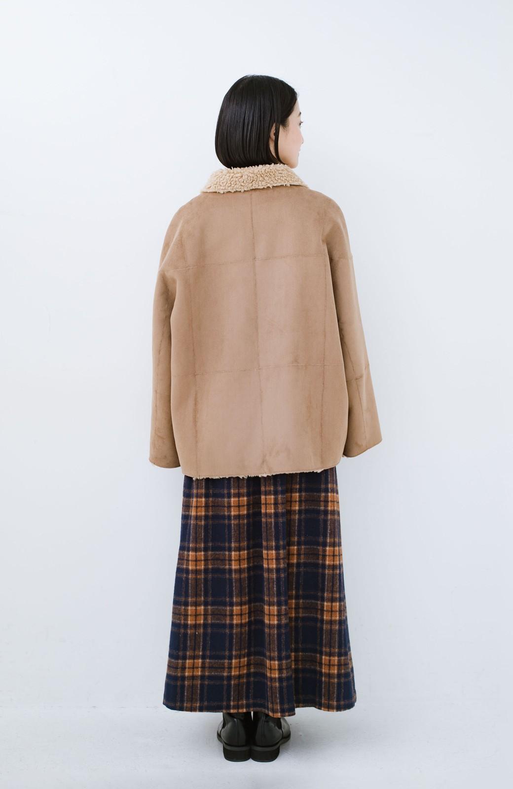 haco! 大きめ衿でこっそり華奢見せ あったかフェイクムートンコート <キャメル>の商品写真13