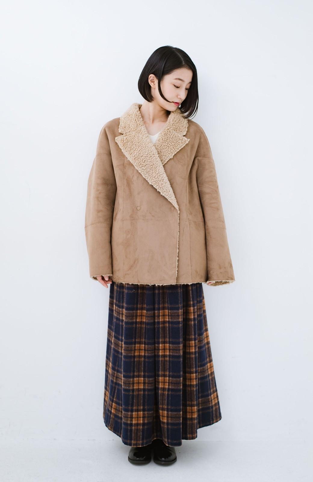 haco! 大きめ衿でこっそり華奢見せ あったかフェイクムートンコート <キャメル>の商品写真5