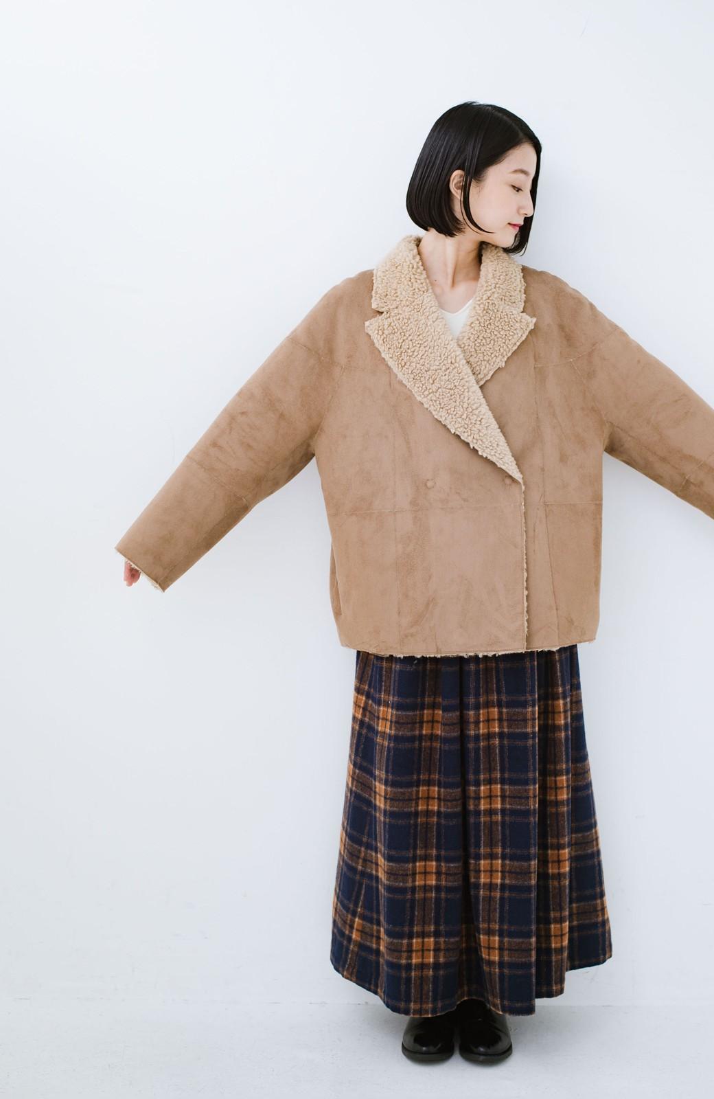 haco! 大きめ衿でこっそり華奢見せ あったかフェイクムートンコート <キャメル>の商品写真6