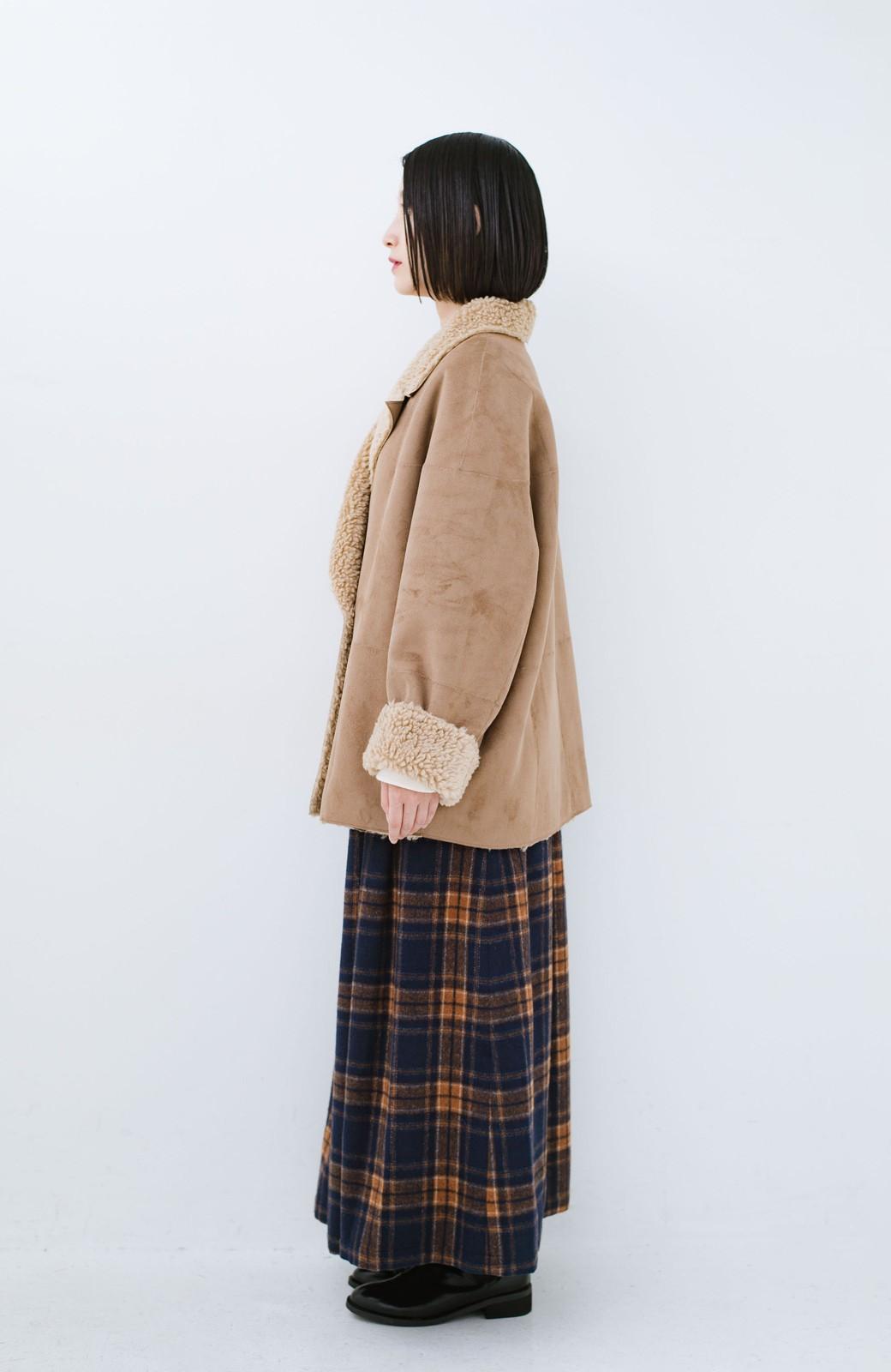 haco! 大きめ衿でこっそり華奢見せ あったかフェイクムートンコート <キャメル>の商品写真11
