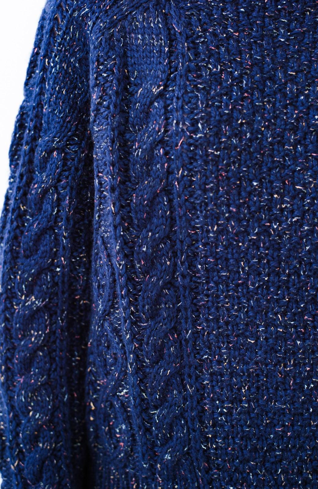 haco! ミックス糸がかわいくてあったか これ1枚で着映えするケーブル編みニットトップス <ネイビー>の商品写真4