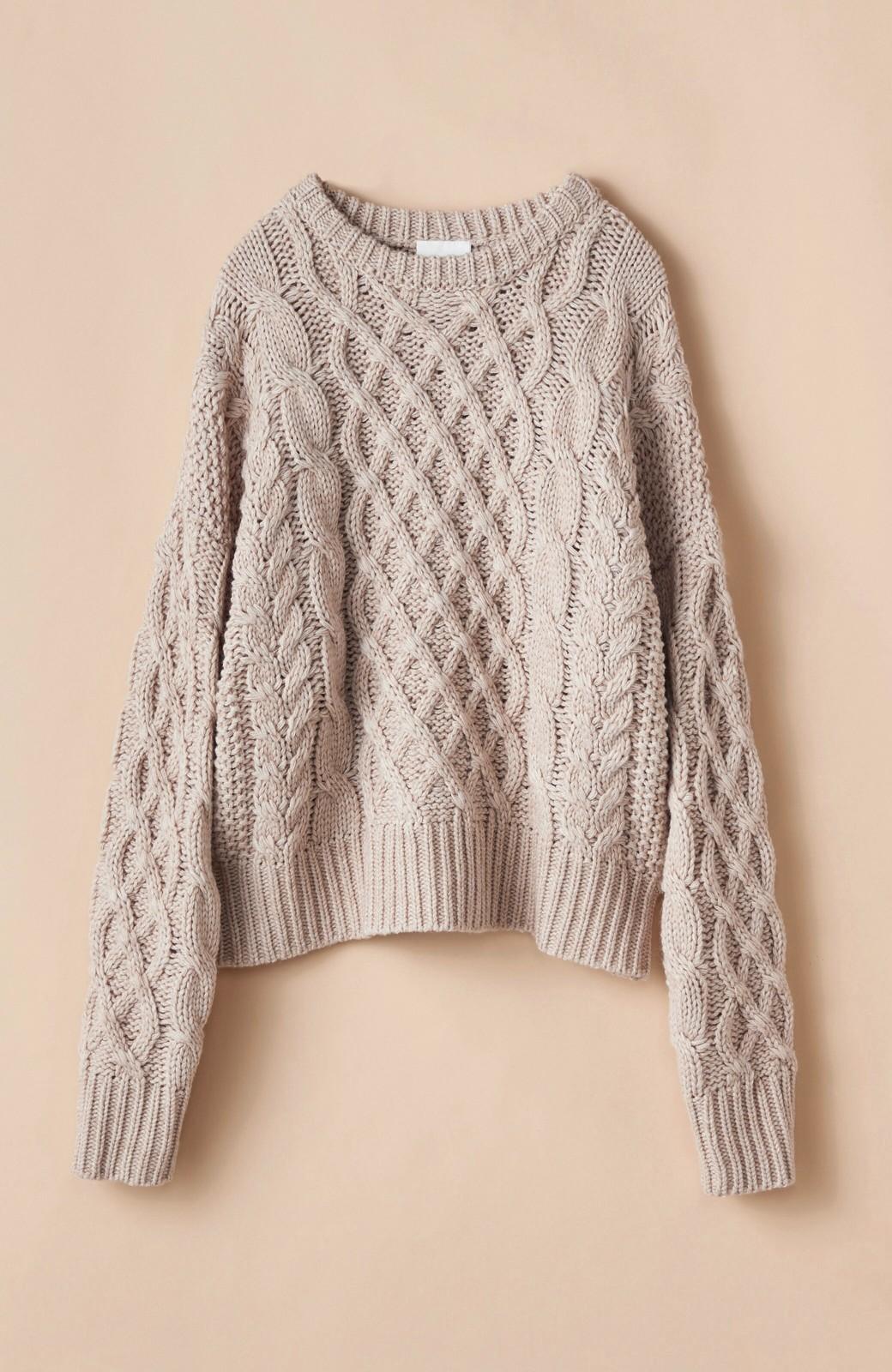 haco! 古着屋さんにありそうな ざっくり編みがかわいいウール混ケーブルニットby que made me <ベージュ>の商品写真1