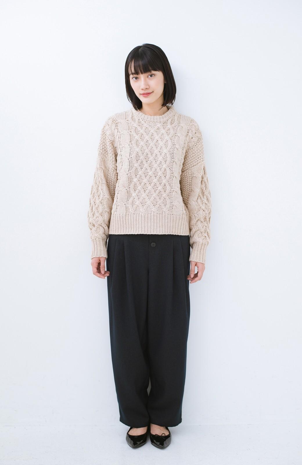 haco! 古着屋さんにありそうな ざっくり編みがかわいいウール混ケーブルニットby que made me <ベージュ>の商品写真5