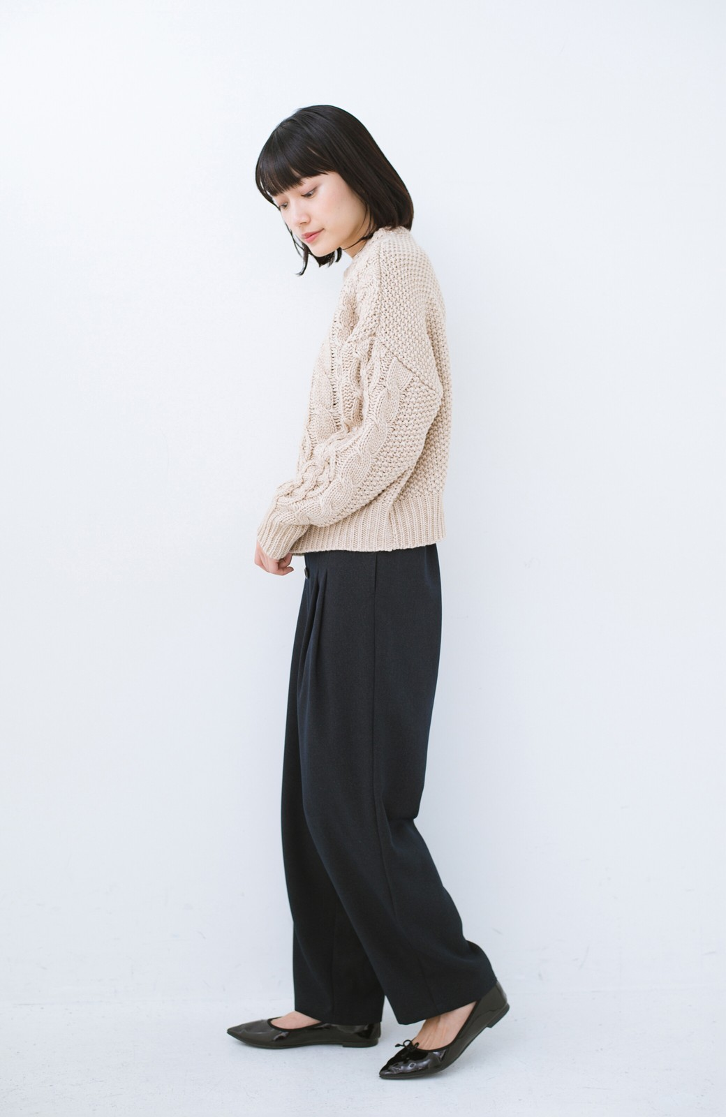 haco! 古着屋さんにありそうな ざっくり編みがかわいいウール混ケーブルニットby que made me <ベージュ>の商品写真6