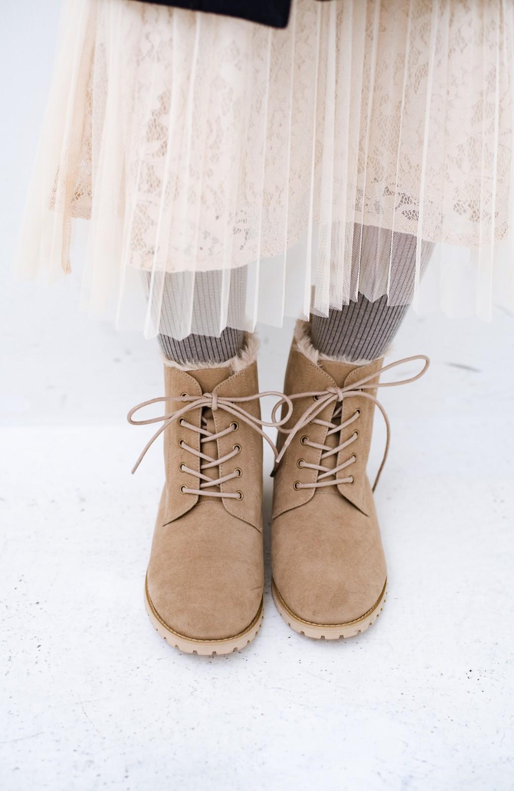 haco! あったか&かわいいを叶えてくれる ふわふわ編み上げブーツ <ベージュ>の商品写真12