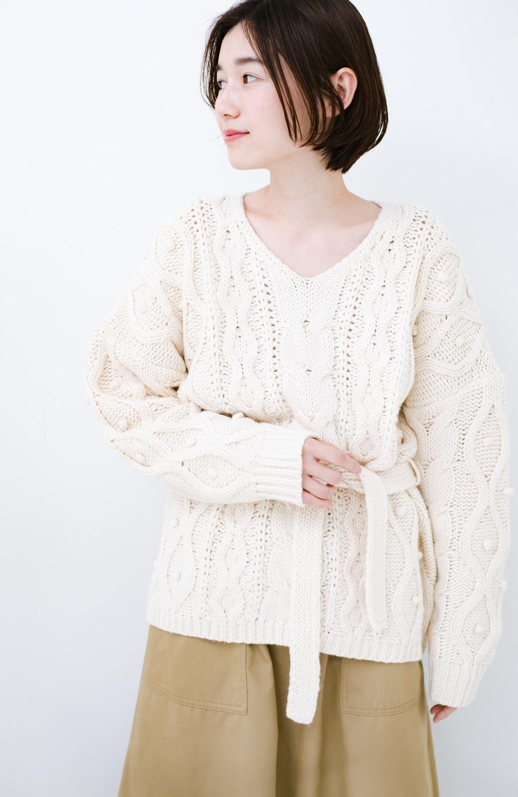 haco! <高橋愛さんコラボ>ラブ&ピースプロジェクト パプコーン編みのウエストマークケーブルニットトップス <オフホワイト>の商品写真13