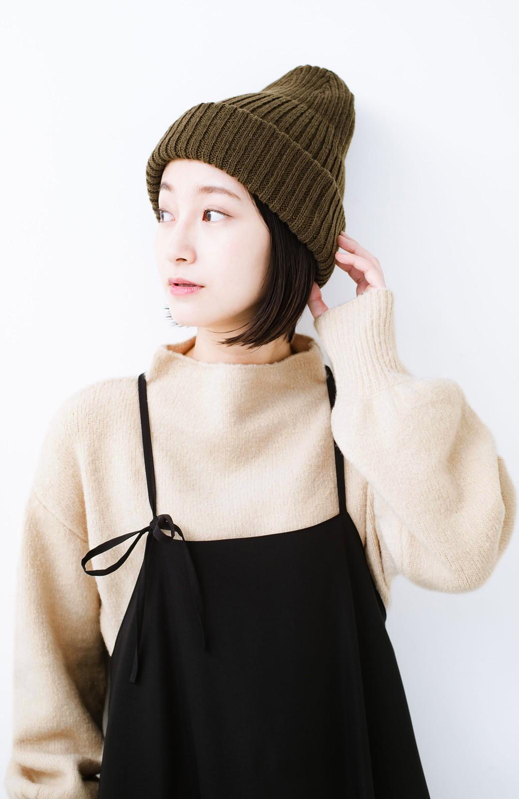 haco! パッと着るだけでかわいくなれる気がする ぷっくり袖のボトルネックニット <ライトベージュ>の商品写真8