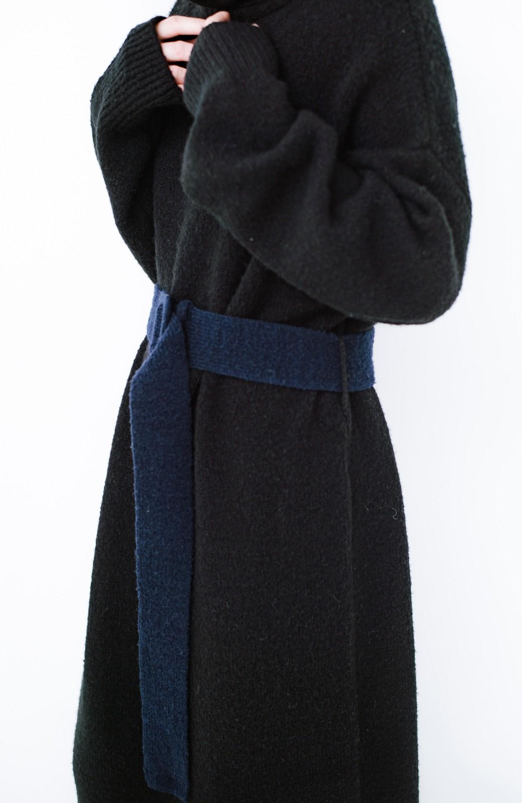 haco! <高橋愛さんコラボ>ラブ&ピースプロジェクト 配色ベルトのタートルニットロングワンピース <ブラック>の商品写真11