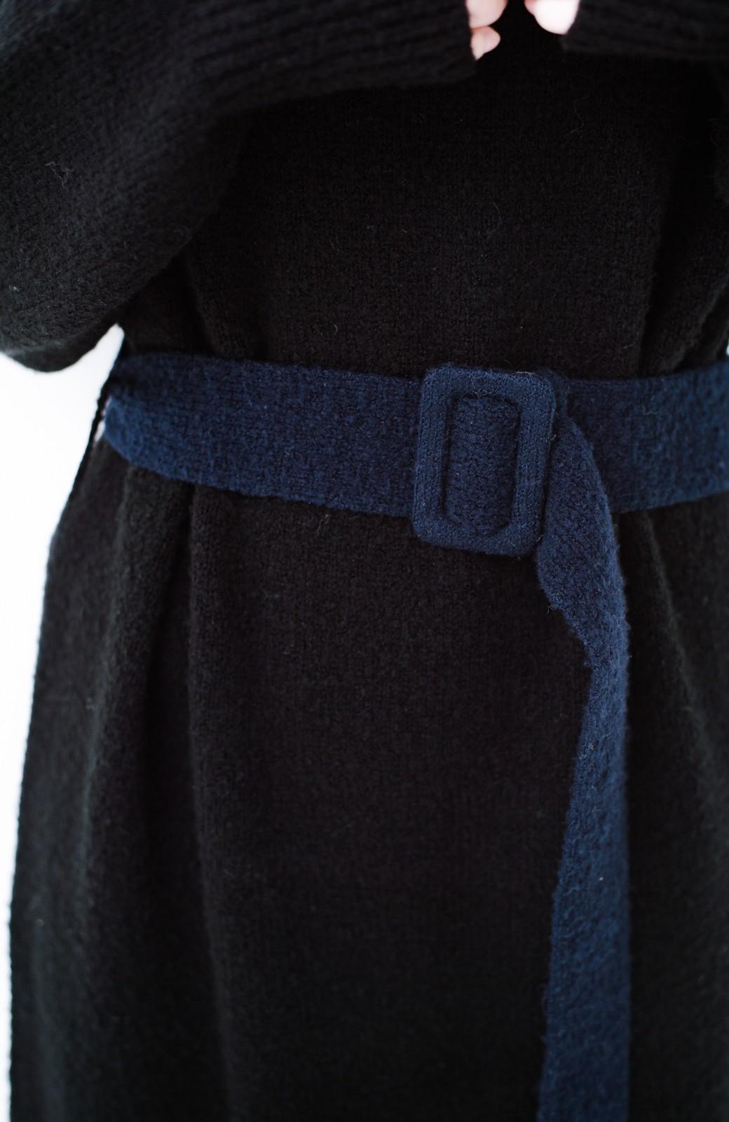 haco! <高橋愛さんコラボ>ラブ&ピースプロジェクト 配色ベルトのタートルニットロングワンピース <ブラック>の商品写真12