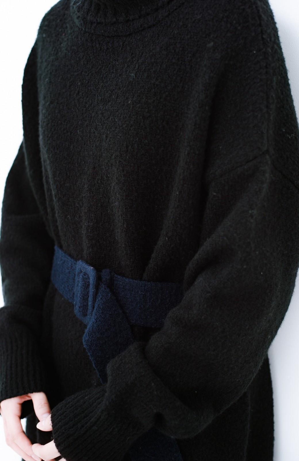haco! <高橋愛さんコラボ>ラブ&ピースプロジェクト 配色ベルトのタートルニットロングワンピース <ブラック>の商品写真13