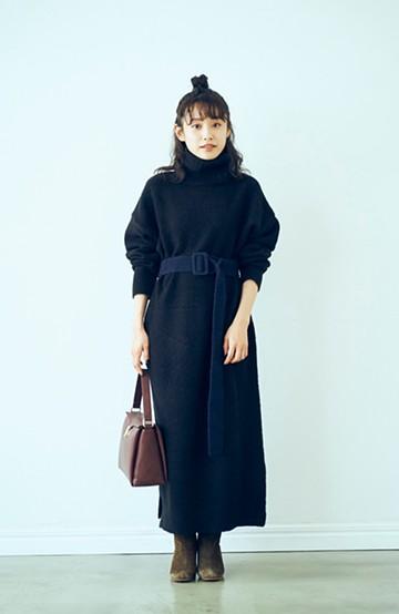 haco! <高橋愛さんコラボ>ラブ&ピースプロジェクト 配色ベルトのタートルニットロングワンピース <ブラック>の商品写真
