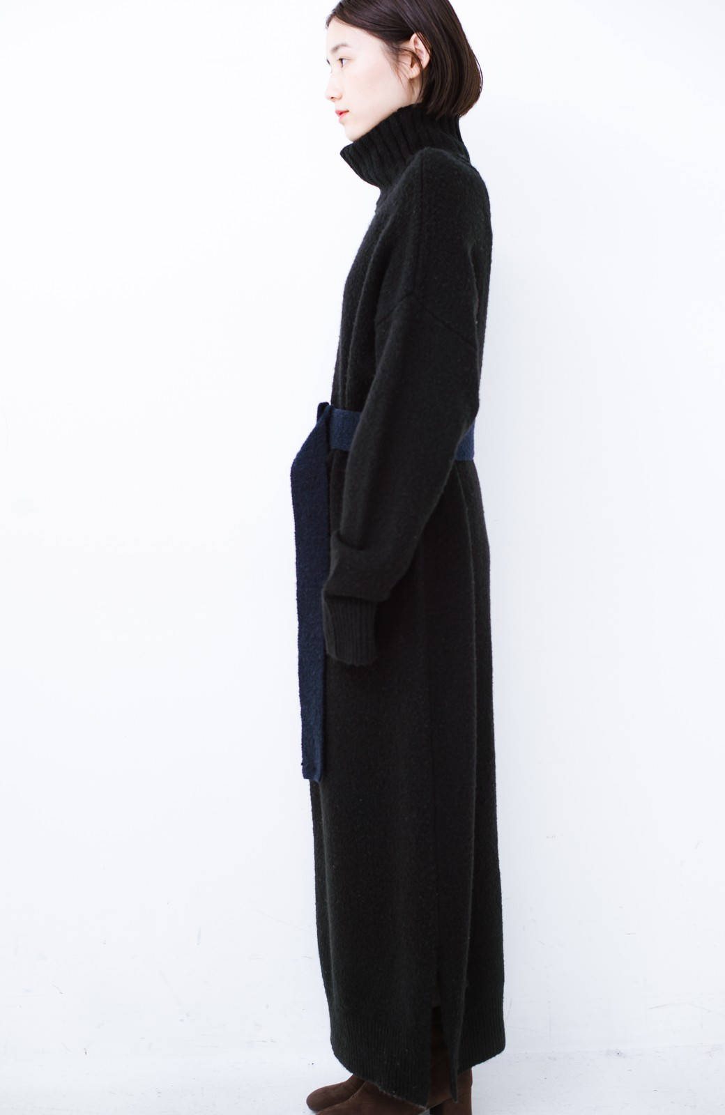 haco! <高橋愛さんコラボ>ラブ&ピースプロジェクト 配色ベルトのタートルニットロングワンピース <ブラック>の商品写真20