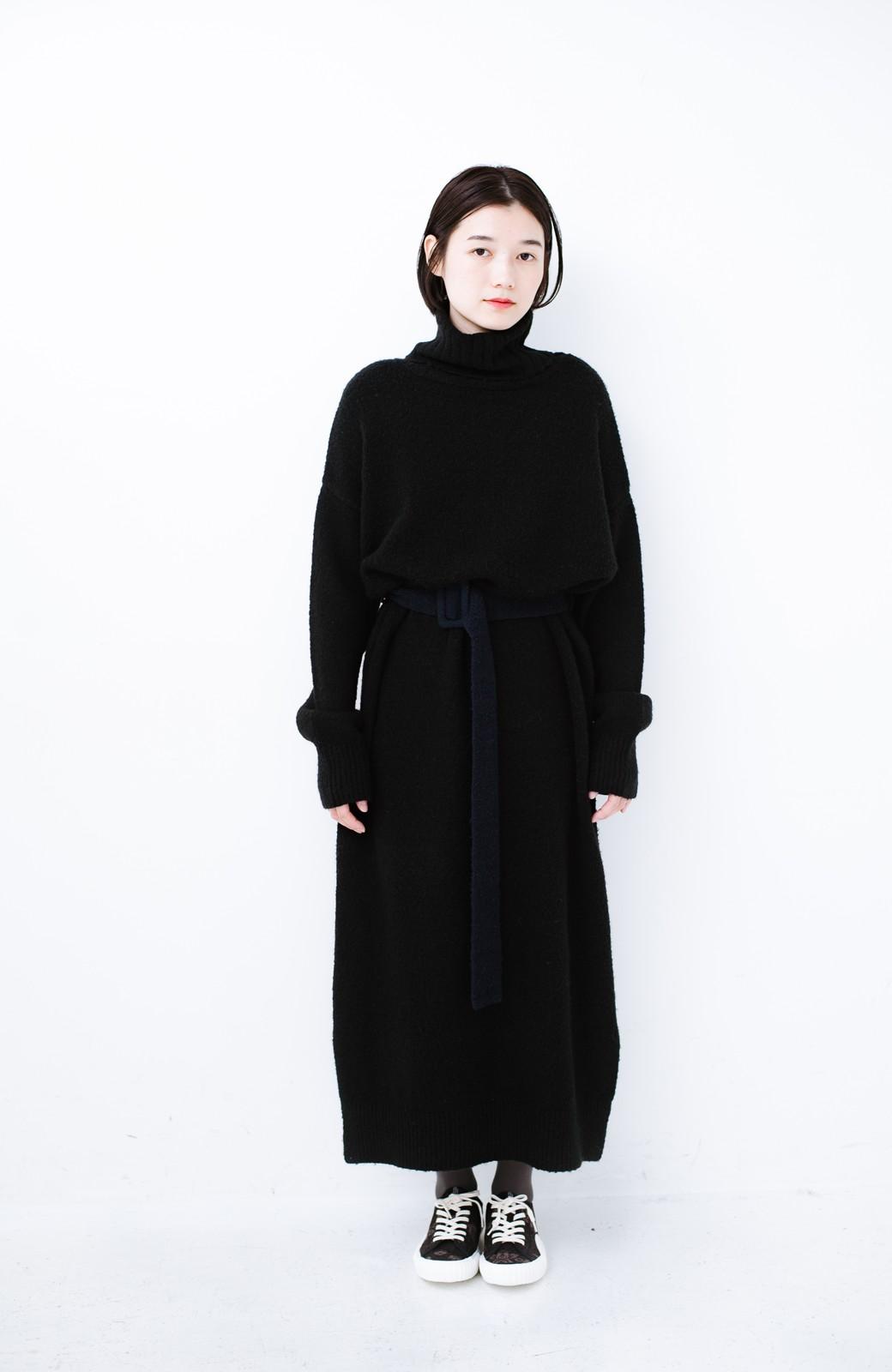 haco! <高橋愛さんコラボ>ラブ&ピースプロジェクト 配色ベルトのタートルニットロングワンピース <ブラック>の商品写真21