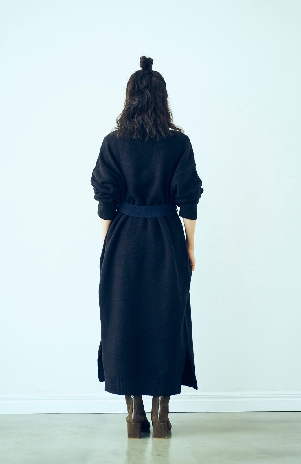 haco! <高橋愛さんコラボ>ラブ&ピースプロジェクト 配色ベルトのタートルニットロングワンピース <ブラック>の商品写真7