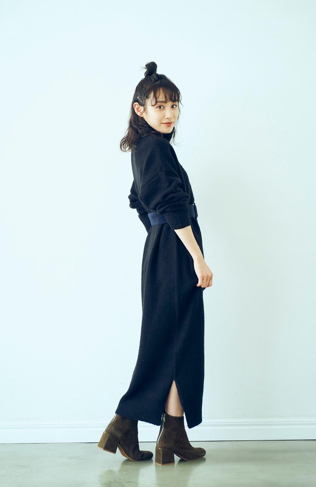 haco! <高橋愛さんコラボ>ラブ&ピースプロジェクト 配色ベルトのタートルニットロングワンピース <ブラック>の商品写真8