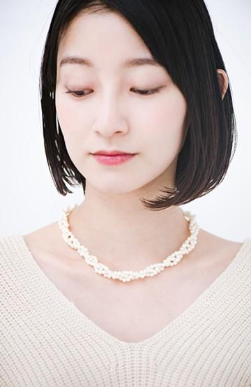 haco! 結婚式にも使える編み込み小粒プラパールのネックレス <シルバー>の商品写真