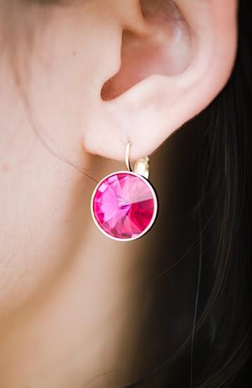 haco! 普段着でさえもぐっと華やか見せさせる大粒スワロフスキー(R)・クリスタルピアス <ピンク>の商品写真