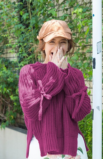 haco! <スザンヌさんコラボ>ラブ&ピースプロジェクト 袖リボンポイントの片畦編みニットトップス <パープル>の商品写真