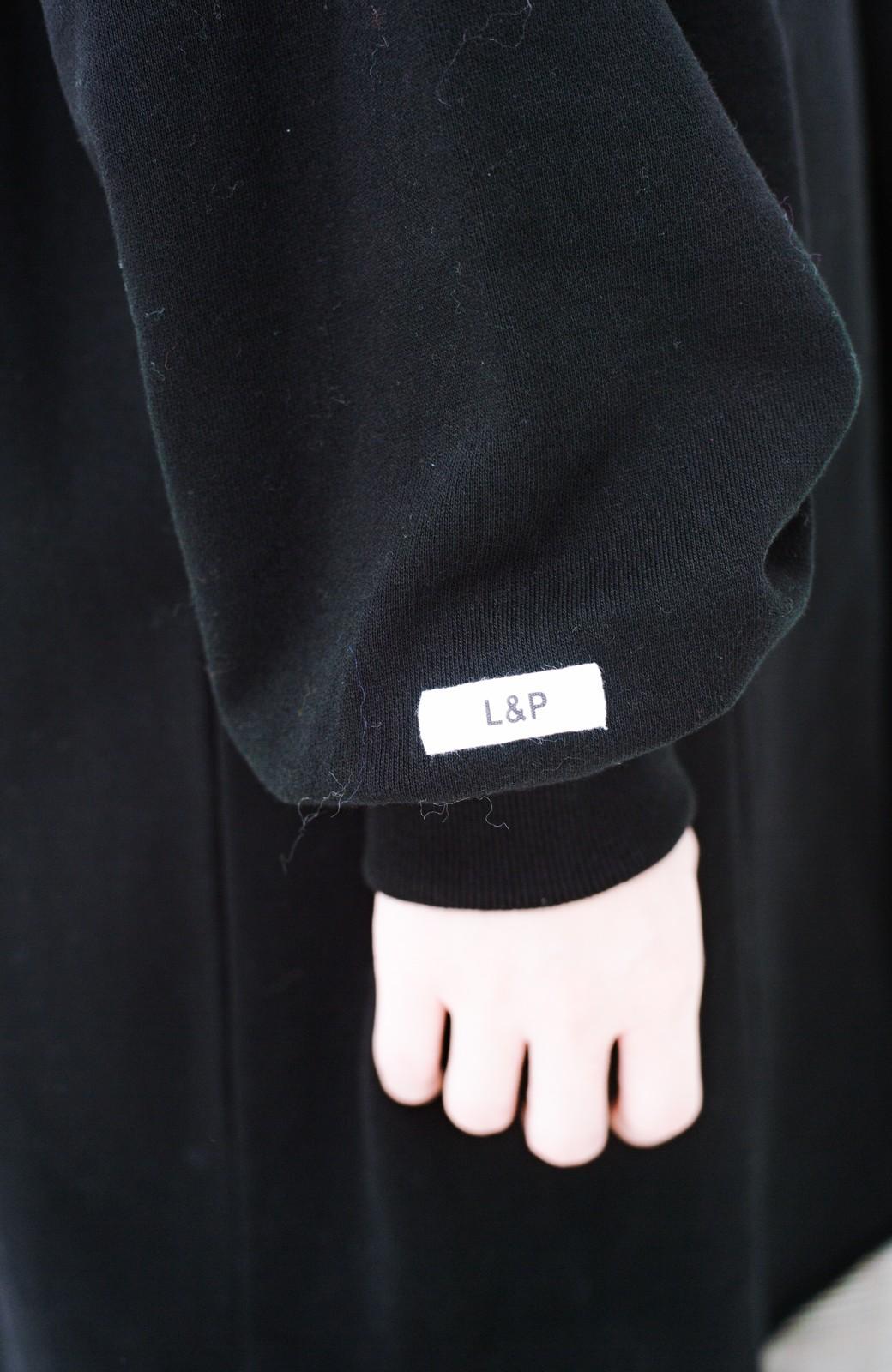 haco! <吉木千沙都(ちぃぽぽ)さんコラボ>ラブ&ピースプロジェクト 袖ラベルがポイントのビッグスウェットワンピース <ブラック>の商品写真17