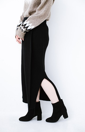 haco! カジュアルに合わせてもオンナっぽさを忘れないロングニットスカート by MAKORI <ブラック>の商品写真