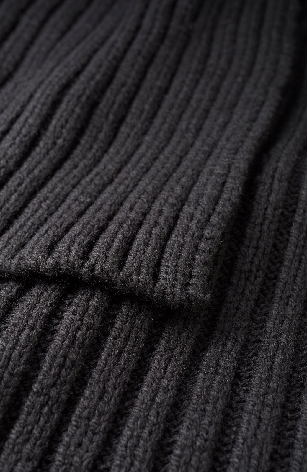 haco! カジュアルに合わせてもオンナっぽさを忘れないロングニットスカート by MAKORI <ブラック>の商品写真3