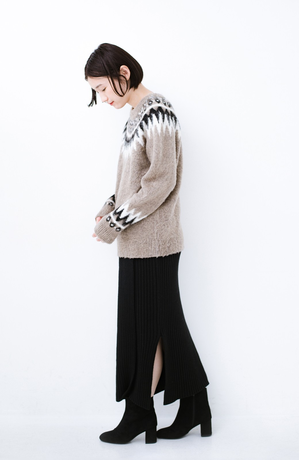 haco! カジュアルに合わせてもオンナっぽさを忘れないロングニットスカート by MAKORI <ブラック>の商品写真11