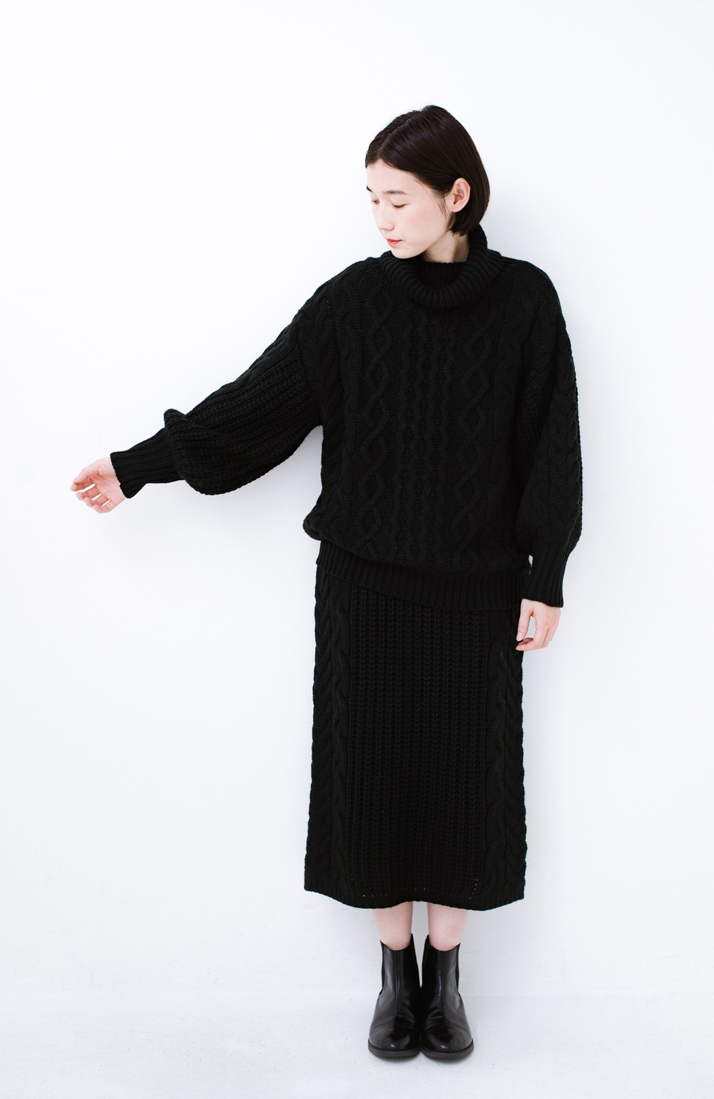 haco! 着るだけで完成するケーブル編みニットセットアップ <ブラック>の商品写真7