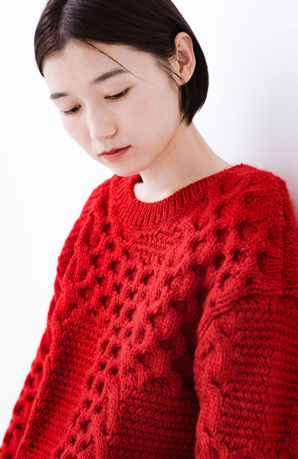 haco! 古着っぽい雰囲気がこなれたパネル編みケーブルニット <レッド>の商品写真4
